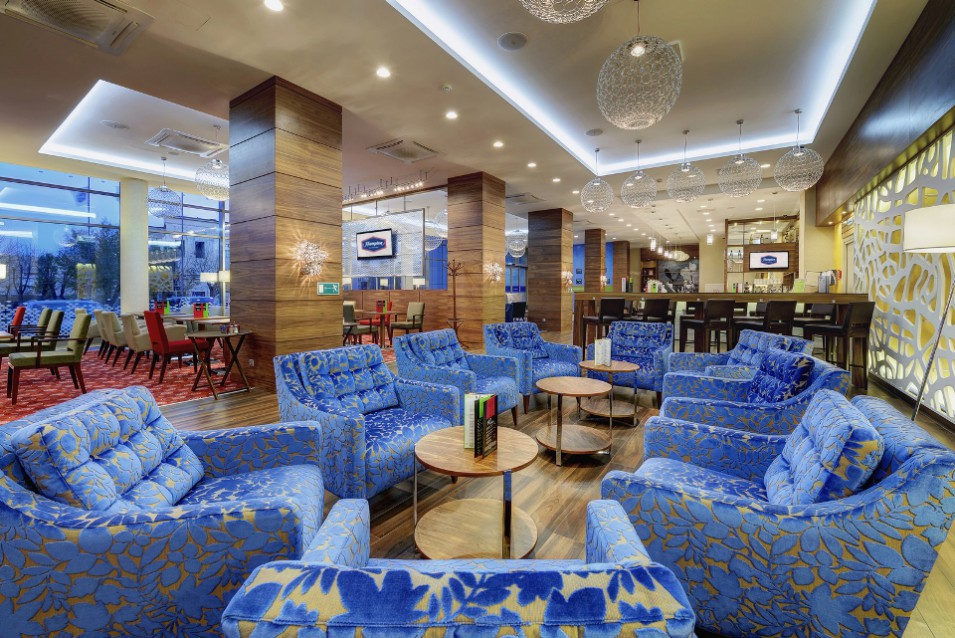 Lobby& Lounge bar Hampton by Hilton
